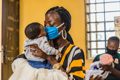 Aminat Laketu with her 6-week-old baby at Ita-Elewa Primary Health Center in Ikorodu, Nigeria, where she has benefited from services to prevent transmission of HIV from mother to child. Photographer: Andrew Esiebo (PRNewsfoto/The Global Fund)